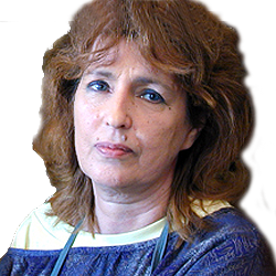 Katalin Csomor portrait of paintress